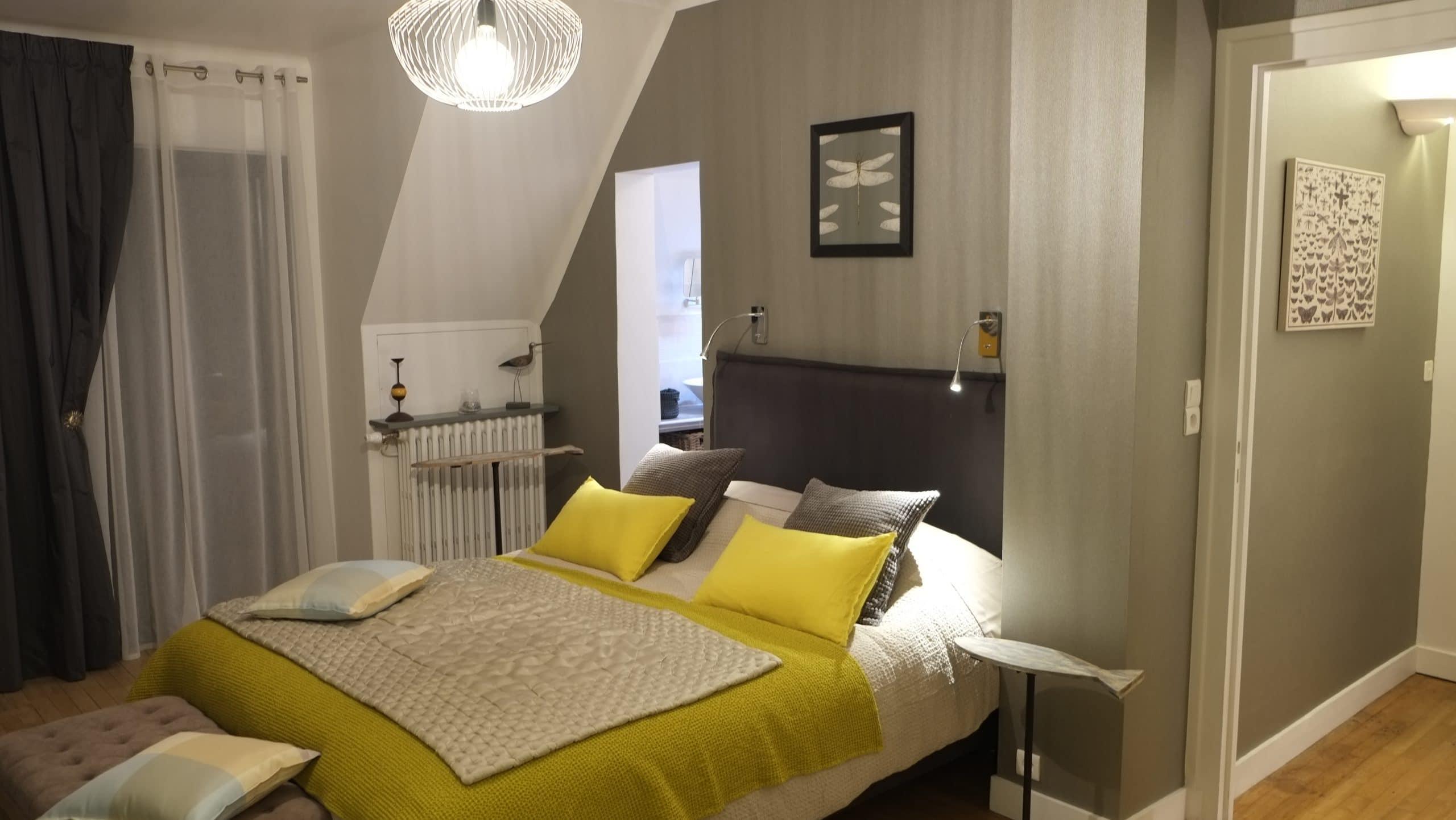 chambre les libellules ti laouenek maison d 39 h tes vannes. Black Bedroom Furniture Sets. Home Design Ideas
